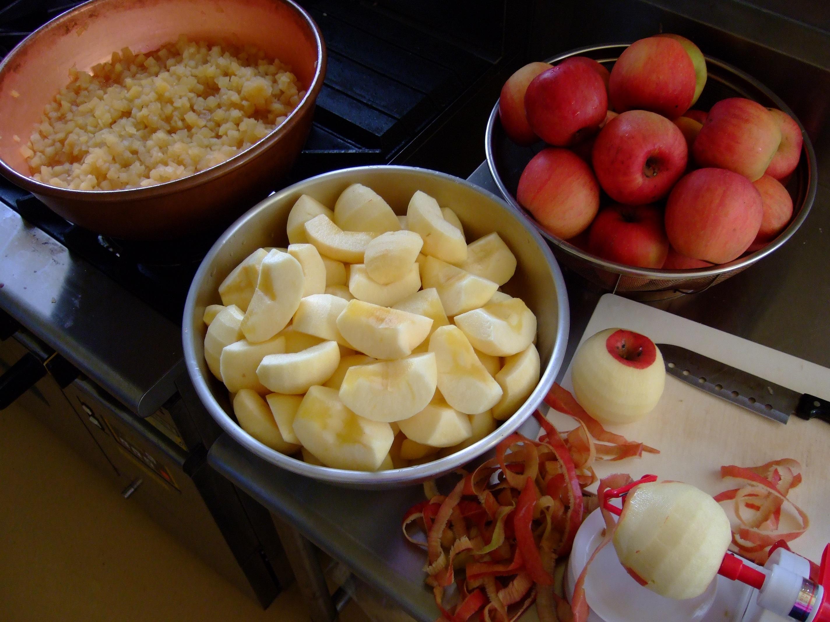 紅霜月用ふじりんごの仕込み終了しました