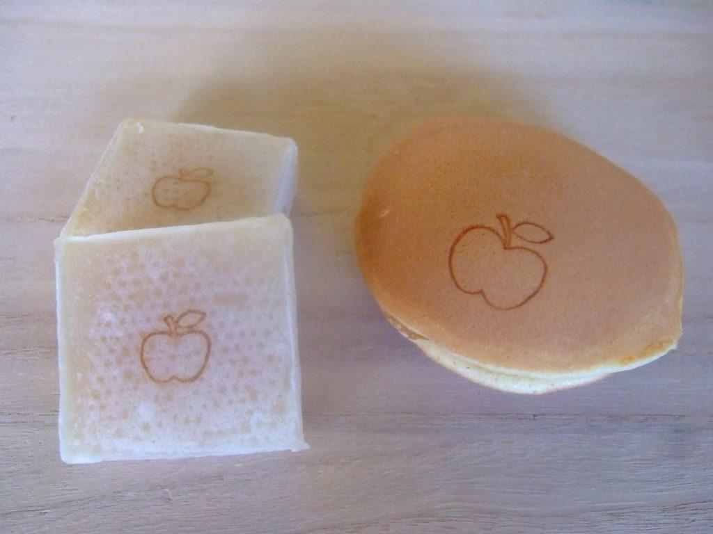 うまいもん祭りにりんごどら焼き、りんごきんつば出品しました。